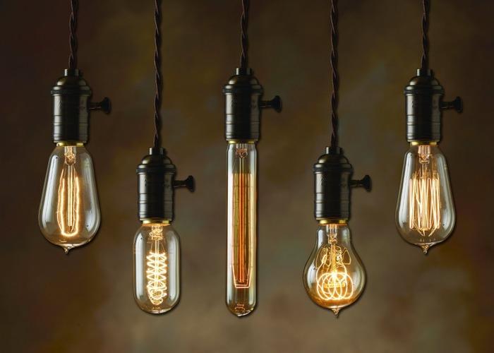 Обычная лампочка тоже способна удивлять. /Фото: lotlight.ru