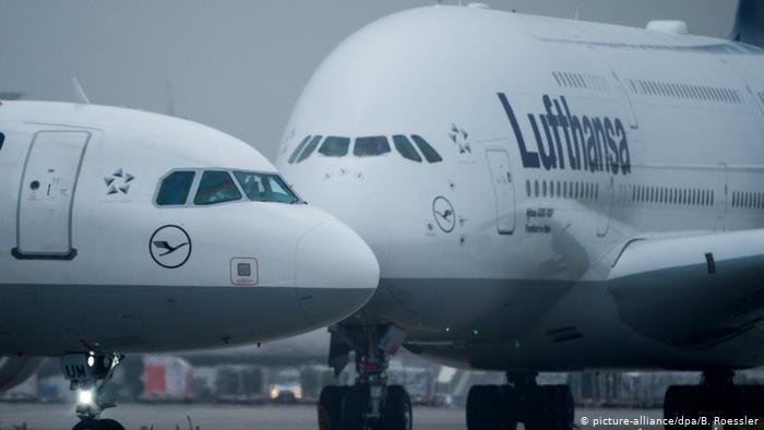 Чем больше самолёт, тем мощнее спутный след. /Фото: dw.com