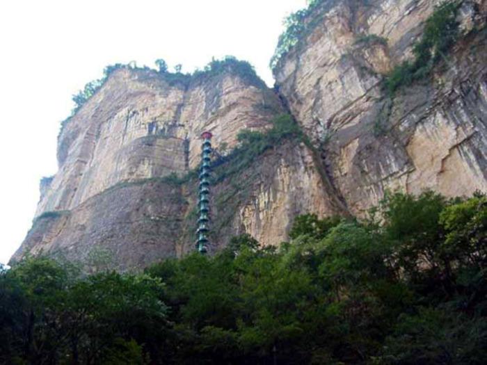 Ступени, стремящиеся в небеса. /Фото: OrangeSmile.com