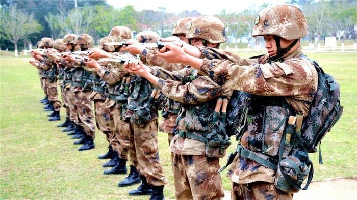 Китайская армия может похвастаться необычным оружием. /Фото: naukatehnika.com