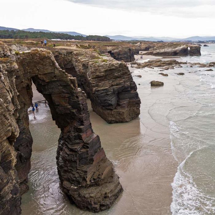 Вид на пляж сверху. /Фото: nationalgeographic.com