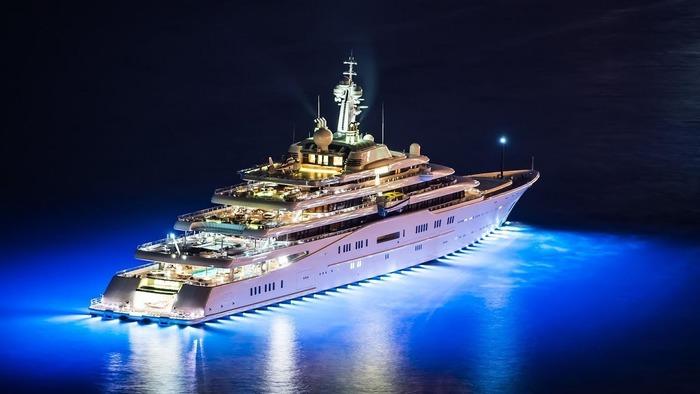 Самая дорогая яхта в мире на сегодня может скоро потерять свой статус. /Фото: wealthynotes.com
