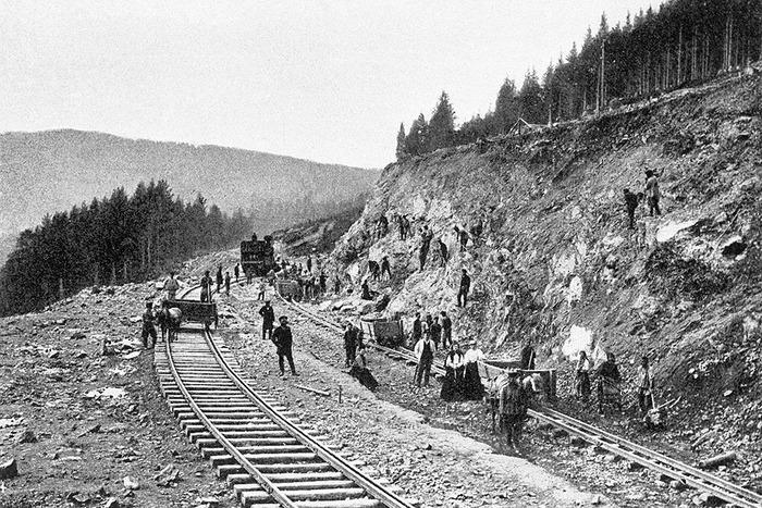 Строительство железных дорог сопровождалось большим количеством проблем. /Фото: cont.ws
