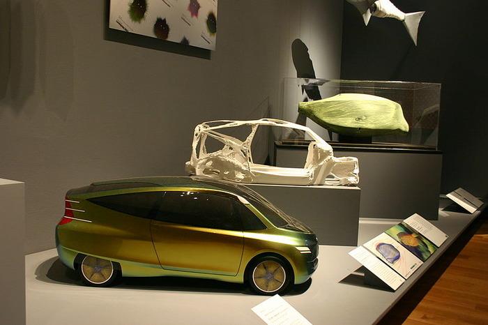 Концепт бионического автомобиля на выставке. /Фото: wikipedia.org