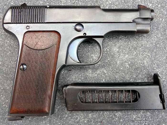 Пистолет образца 1915 года. /Фото: zonwar.ru
