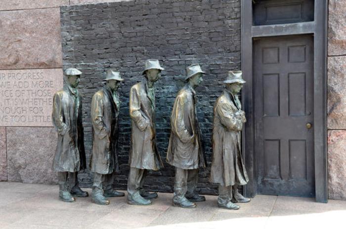 Ещё один памятник трудностям прошлого. /Фото: orangesmile.com