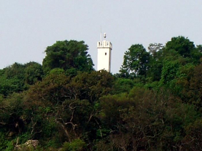 Автоматический маяк на Змеином острове. /Фото: amsterdamtravel.ru