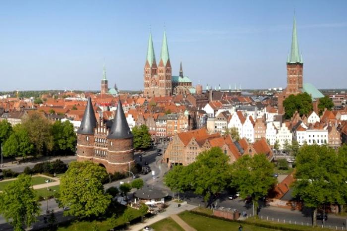 Историческую часть города удалось восстановить. /Фото: touristam.com