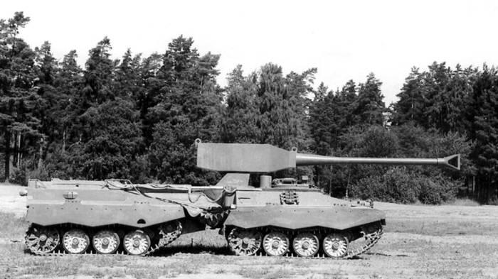 Шведский двухзвенный танк UDES XX 20. /Фото: naked-science.ru