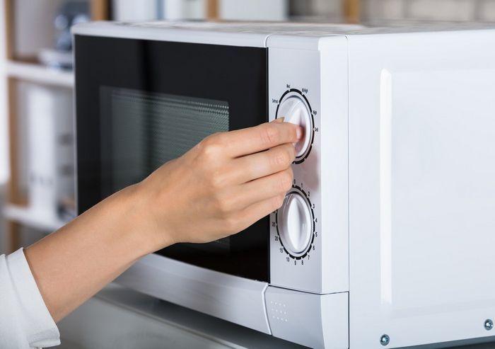 Сладость в кармане помогла создать микроволновку. /Фото: ghetiko.com