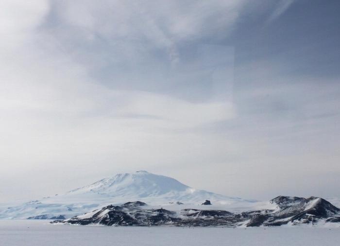 Покорить даже не самую высокую вершину на Южном полюсе еще никому не удалось. /Фото: adventurist.pro