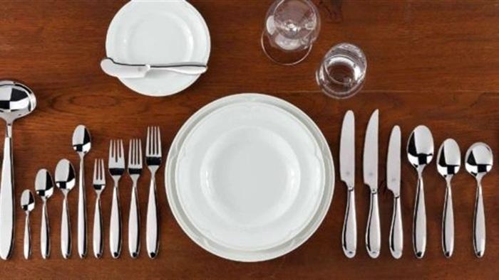 Сегодня столовые приборы зачастую неопасны для тех, кто ими пользуется. /Фото: mygazeta.com