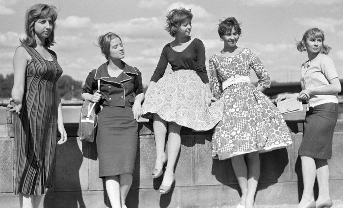 В СССР юбки носили куда чаще, чем сейчас. /Фото: publy.ru