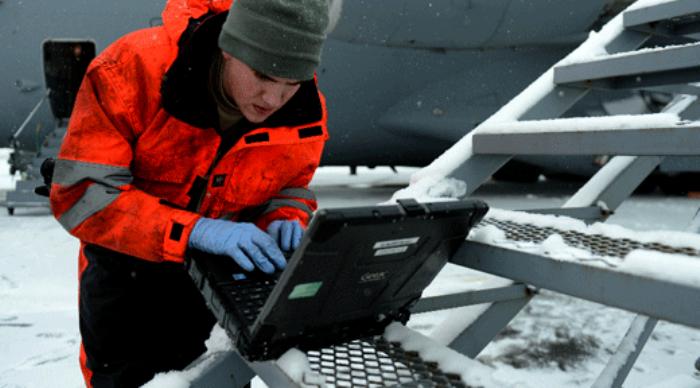 Сертифицированные устройства можно увидеть не только у людей в камуфляже. /Фото: gcn.com
