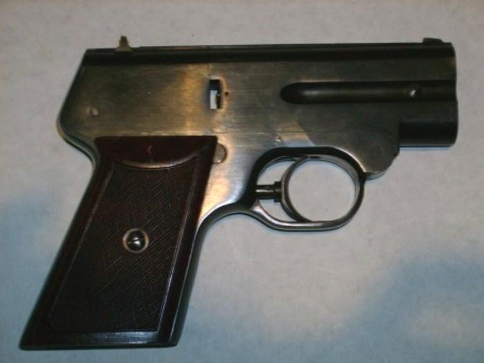 Двухствольный бесшумный пистолет С4М. /Фото: forgottenweapons.com