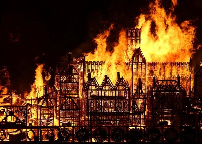 Великий Лондонский пожар Нострадамус предсказал больше чем за столетие. /Фото: vestnik.az