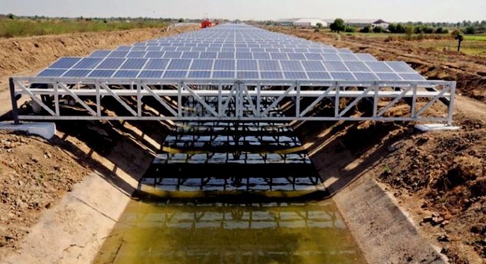 Так выглядит солнечный канал в Индии. /Фото: decarbonization.ru