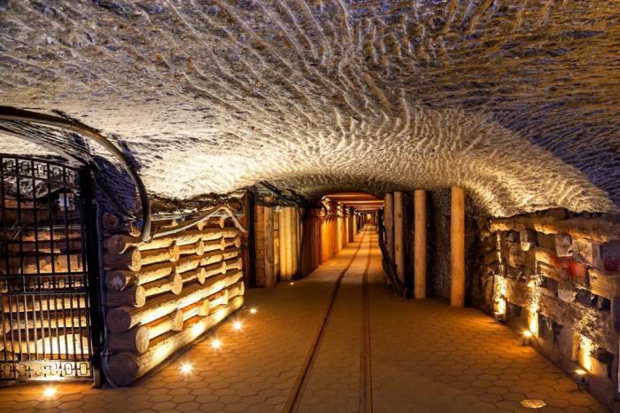 Соляная шахта превратилась в большое подземное царство. /Фото: putidorogi-nn.ru