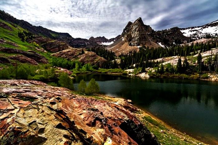 Живописные горы, оказывается, хранят массу секретов. /Фото: orangesmile.com