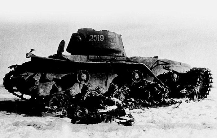 Не все так просто бывало с подбитыми танками. /Фото: delfi.lt