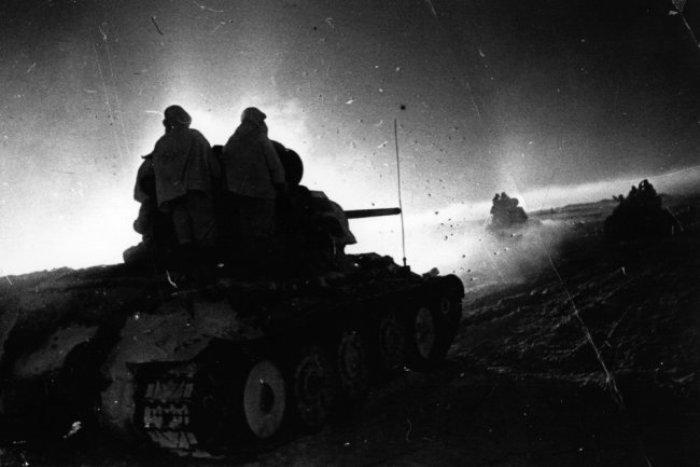 Ночью отстать и не вступить в бой очень несложно. /Фото: rg.ru