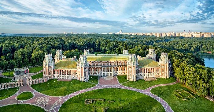 Большой дворец сам по себе впечатляет. /Фото: ethnomir.ru