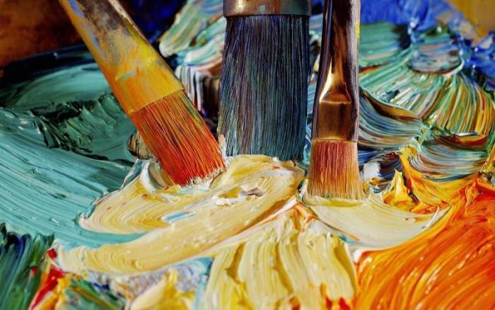 Реанимировать кисточки поможет горячий уксус. \Фото: talya-club.blogspot.com