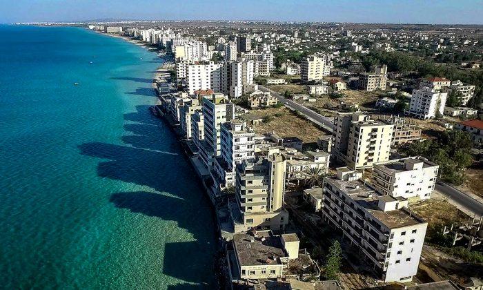 Город-призрак, возвышающийся над морем. /Фото: northcyprussale.net