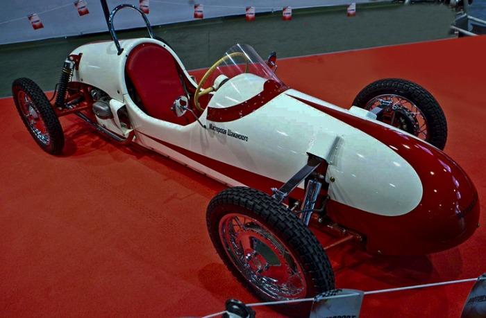 Первый серийный спорткар из СССР. /Фото: zr.ru