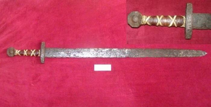 Славянский меч был мощным и тяжёлым. /Фото: yaplakal.com