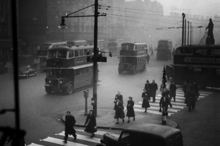 Переход в английском Манчестере, 1954 год. /Фото: blogspot.com