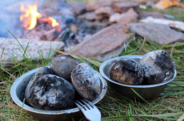 Печеная картошка / Фото: avto.goodfon.ru