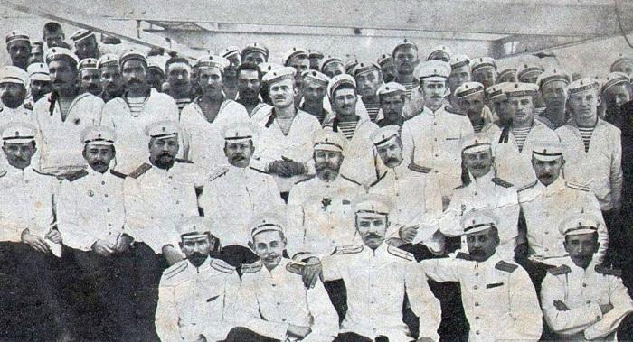 До 1917 г. на флоте существовали приставки «штабс» и «обер», но после исчезновения Императорского флота они ушли в прошлое / Фото: coollib.net