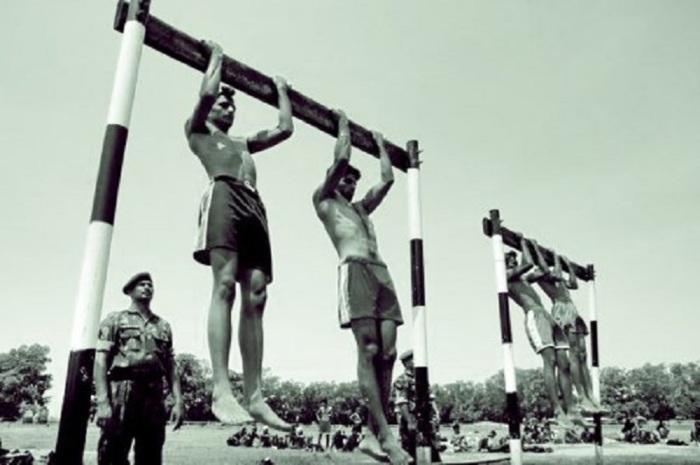 Молодежь должна быть мускулистой и выносливой / Фото: levgon.ru