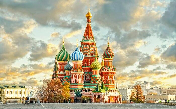 Возведение храма посвящено кому-то из святых, Божьей Матери либо иконе, православным праздникам / Фото: sharij.net