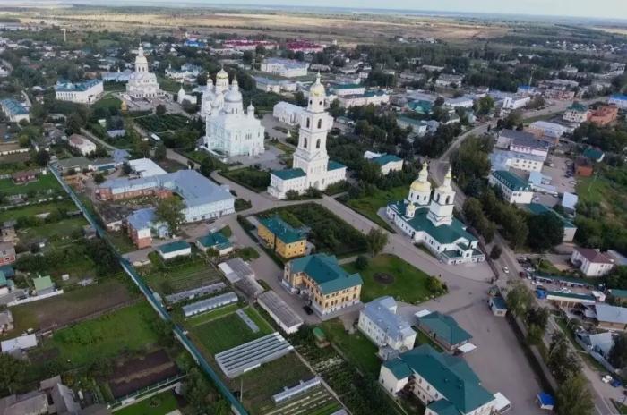 Даже летом жители Арзамаса-16 не могут выехать в отпуск / Фото: countryscanner.ru