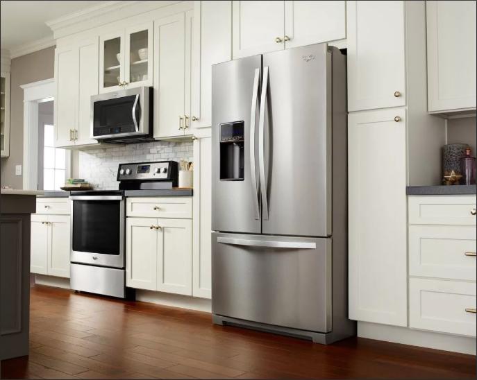 Большой холодильник - не прихоть, а необходимость / Фото: yandex.ua