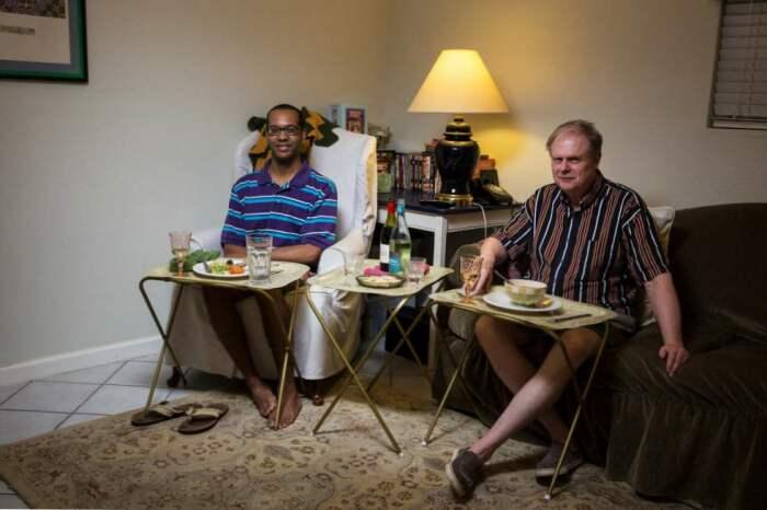 Кушают американцы в гостиной, столовой или спальне / Фото: legaltechnique.org
