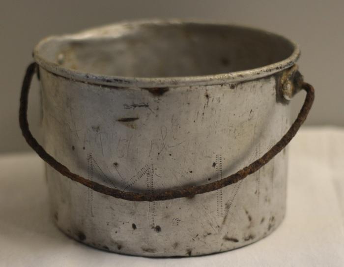 Первые котелки изготавливались из чистого алюминия / Фото: forum.violity.com