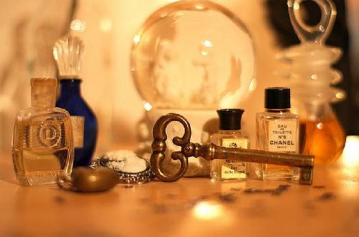 3 нехитрых способа, как продлить стойкость аромата любых духов на целый день