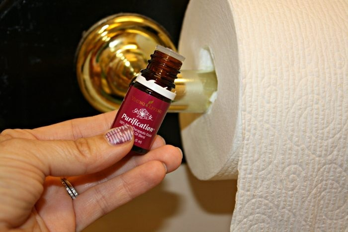Нехитрый способ, как в туалете сохранить приятный аромат без освежителя и спецсредств
