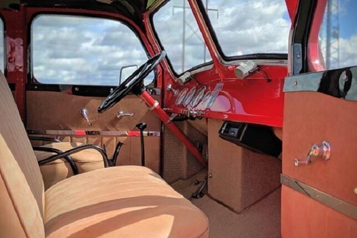 Транспортное средство оснащено мощным двигателем и пятиступенчатой коробкой передач с «ползучей» первой передачей / Фото: magmens.com