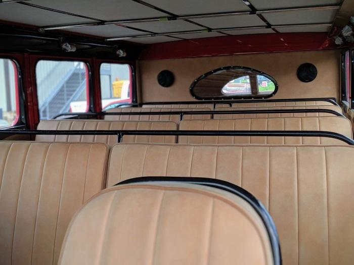 Автобус рассчитан на 18 человек / Фото: autocentre.ua