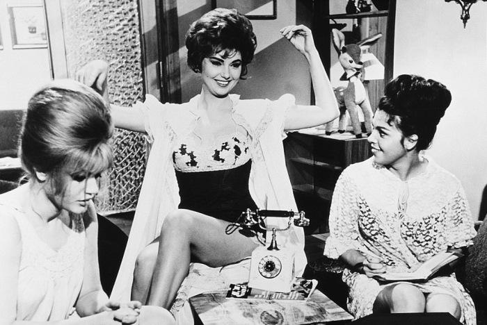 Советские женщины подражали героиням из кинофильмов / Фото: kinolook.top