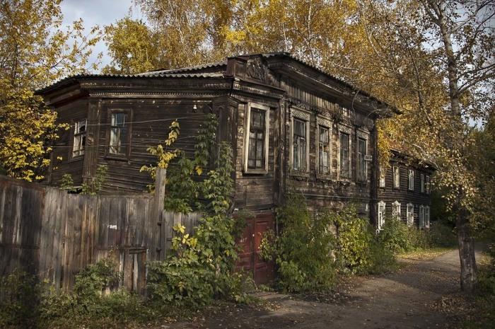 Срок эксплуатации барачных сооружений давно уже истек / Фото: znaigorod.ru