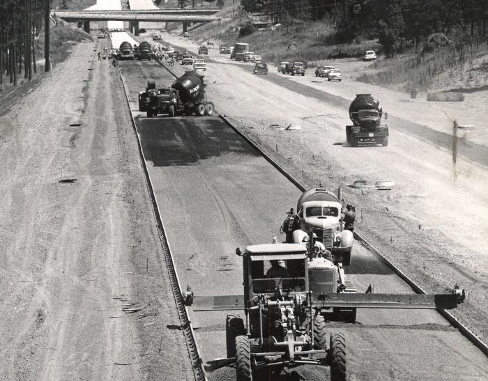 Первые бетонные дороги появились в США в конце девятнадцатого столетия / Фото: drive2.ru