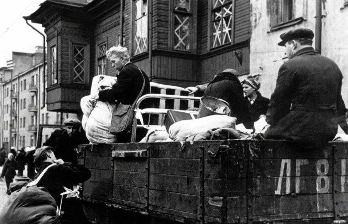 Почему после эвакуации жители Ленинграда не могли вселиться в их собственные квартиры