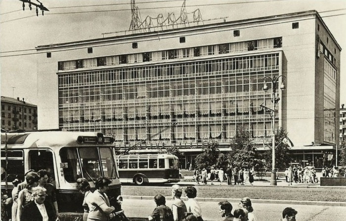 Самый крупный универмаг столицы «Москва» / Фото: pastvu.com