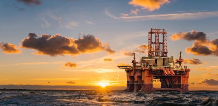 Прибыль от продажи газа и нефти в России распределяется за определенными лицами и это далеко не обычные граждане страны / Фото: wognews.net