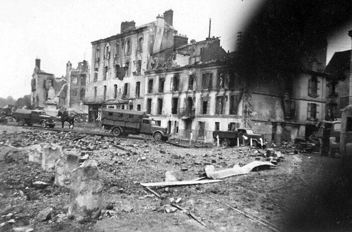 В Минске за шестидневный период бомбежек было разрушено 2/3 построек / Фото: cont.ws